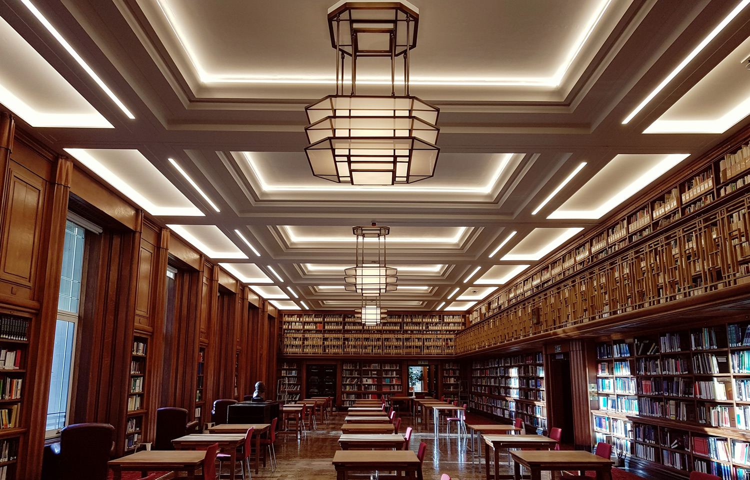 Library reading room in Keppel Street
