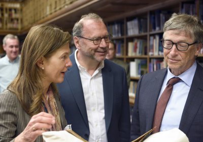 Bill Gates, Peter Piot and Heidi Larson