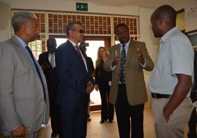 Dr Tedros Adhanom Ghebreyesus visiting the MRC/UVRI and LSHTM Uganda Research Unit. Credit: MRC/UVRI and LSHTM Uganda Research Unit and the Uganda Virus Research Institute