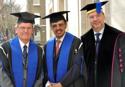 Dr Tedros receives his Honorary Fellowship from the School in 2012, pictured alongside Prof Brian Greenwood and Prof Peter Piot.