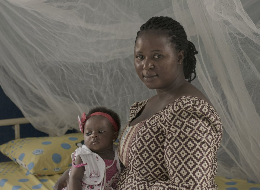 Simi-Joseph & her daughter in Plateau State, Nigeria. Credit: Pieter ten Hoopen/The Lancet Maternal Health Series