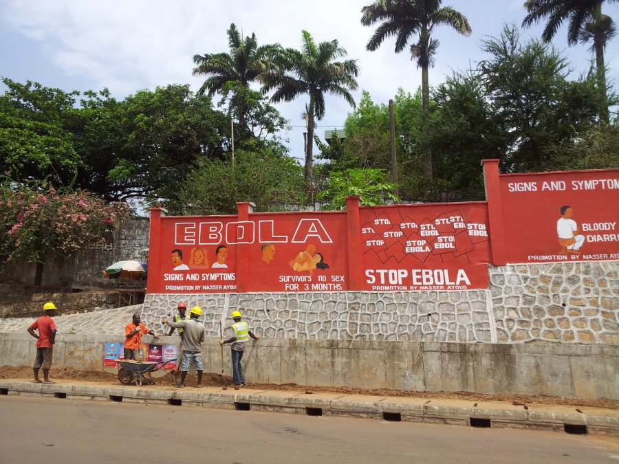 Ebola public health wall message in Freetown, Sierra Leone. Credit: LSHTM/Tom Mooney