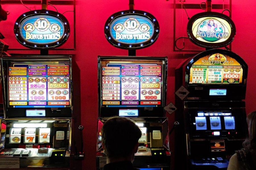 Betting shop chipping sodbury school santa ana park racing race program betting