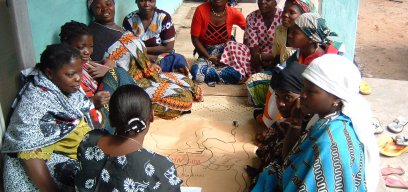 Women discussing HIV in Mozambique